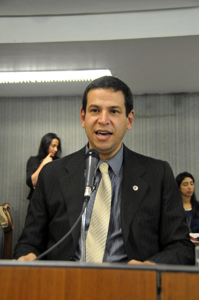 Comissão de Administração Pública analisa proposições