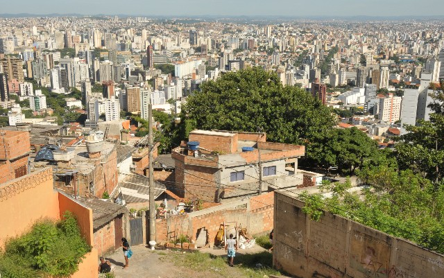 Moradores estão assustados com o conflito de traficantes na região