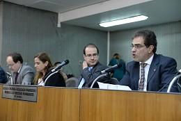 Comissão de Fiscalização Financeira e Orçamentária e membros das Comissões Permanentes - Art. 204 do Regimento Interno (reunião das 20:20)