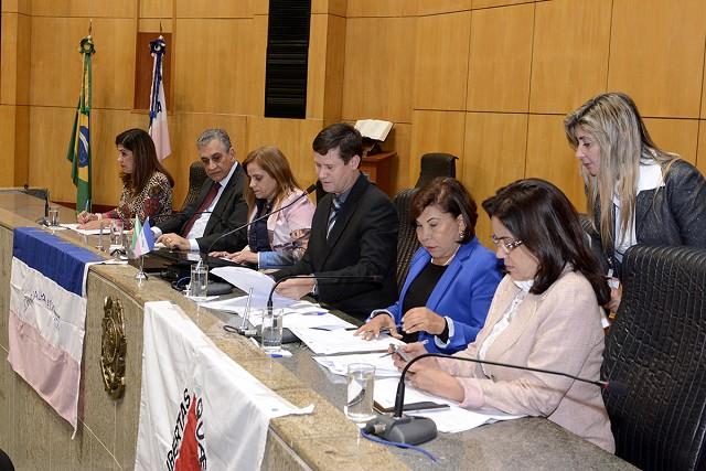 A deputada Rosângela Reis (à direita) representará Minas Gerais na vice-presidência da Cipe Rio Doce