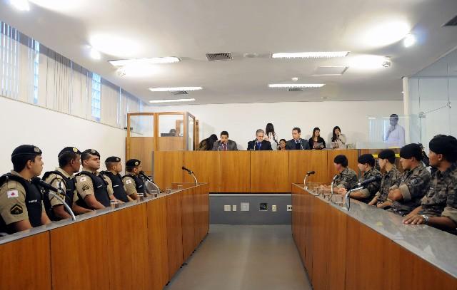 Foram agraciados cinco membros da Rotam e quatro do 22º Batalhão da Polícia Militar que atuaram em duas ações de apreensão de drogas em Belo Horizonte