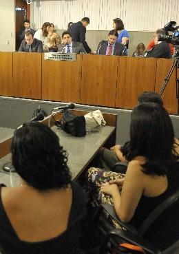 Comissão de Defesa do Consumidor e do Contribuinte - manifestação de aplauso a jornalistas