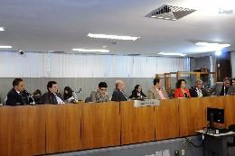 Comissão de Saúde - debate sobre a cancerologia em Minas Gerais
