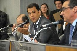 Comissões de Administração Pública e de Fiscalização Financeira e Orçamentária - análise de proposições