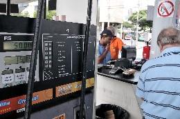 Segundo a pesquisa, o GNV foi o único combustível a registrar alta no mês - Arquivo/ALMG