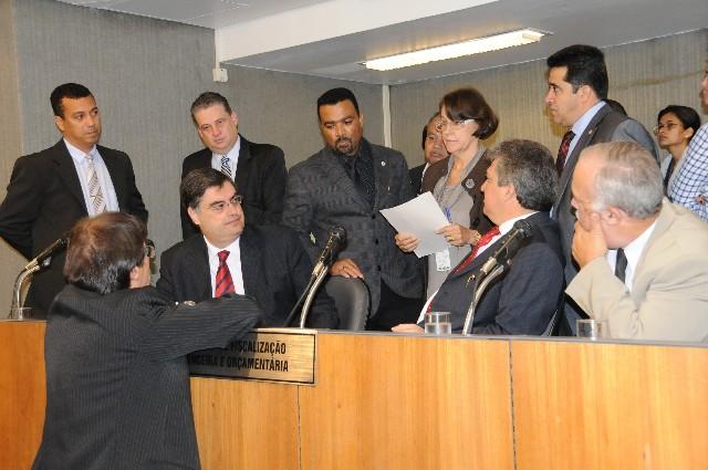O relator do PLC 23/12 distribuiu em avulso seu parecer sobre as emendas de Plenário aos membros da Comissão de Fiscalização Financeira e Orçamentária