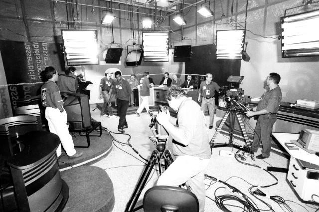TV Assembleia na cobertura das eleições de 1998, um dos principais marcos na história da emissora