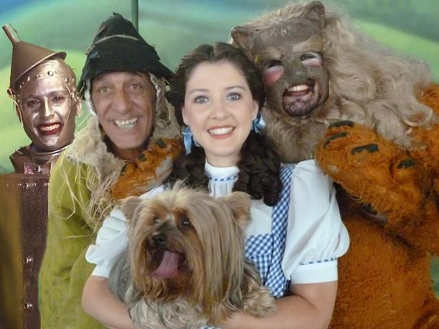 Espetáculo Jojô e Palito em O Mágico de Oz
