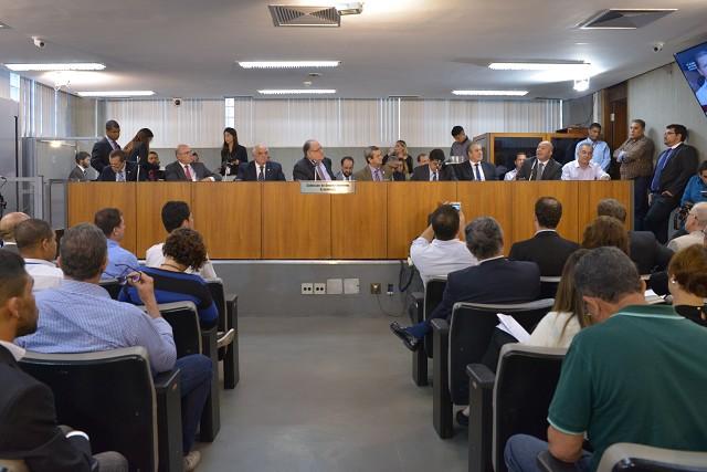 Na reunião, foi destacada a necessidade de não haver competição do Aeroporto da Pampulha com o de Confins, para não atrapalhar a conectividade de BH