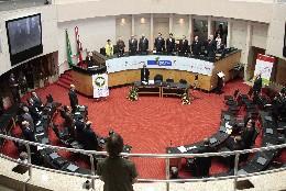 Fórum da UNALE - Desenvolvimento, Federalismo e Dívidas dos Estados: Centralização do Poder e Dívida dos Estados