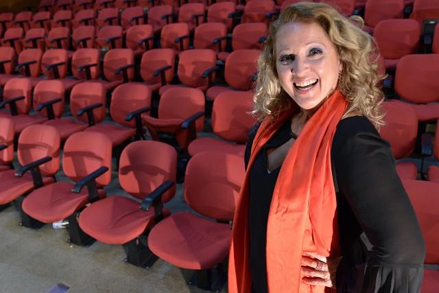 Matéria Especial 25 anos do Teatro da Assembleia - Entrevista com Joselma Luquini