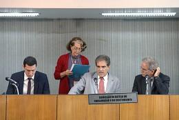 Comissão de Defesa do Consumidor e do Contribuinte - debate sobre a extinção da franquia mínima de bagagem despachada pelas companhias aéreas