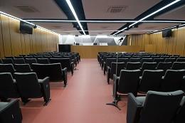 O novo espaço terá 168 assentos, 16 lugares destinados à coordenação dos trabalhos e um púlpito para pronunciamentos
