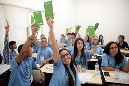 Estudantes se reuniram na Escola do Legislativo para debater e votar as propostas constantes no documento síntese da edição deste ano