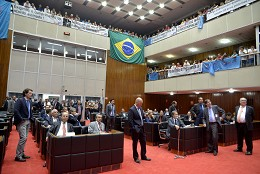 Ao longo de 2017, parlamentares juntaram esforços para aprovar 106 proposições em redação final, das quais 60 foram transformadas em norma jurídica