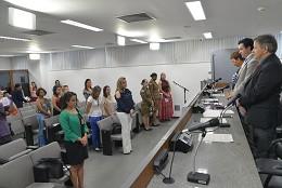 Reunião começou com homenagem à vereadora assassinada no Rio de Janeiro