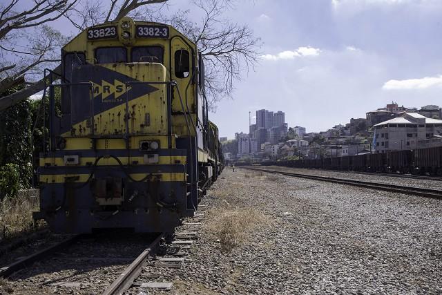 Matéria especial Ferrovias Mineiras - Conselheiro Lafaiete. Locomotiva. Trem de carga.