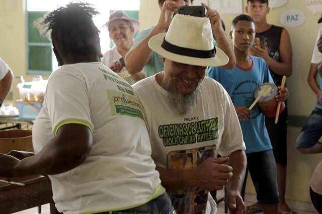 O carneiro, dançado por pares, é uma manifestação cultural resgatada com a ajuda do Cidadania Ribeirinha, que uniu comunidades em torno de tradições locais