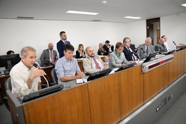 Comissão Pro-Ferrovias Mineiras recebeu especialistas para tratar do transporte de passageiros na RMBH