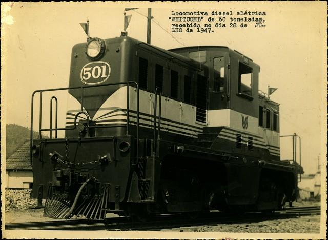 Matéria Especial Ferrovias Mineiras - Acervo sob a guarda do Arquivo Público Mineiro. Locomotiva elétrica a diesel. Data provável 1947.