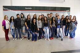 Visita orientada de estudantes do Parlamento Jovem