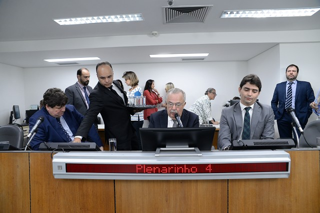PEC sobre convocação de secretários vai a Plenário