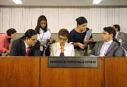 Parlamentares ressaltaram a importância da participação popular