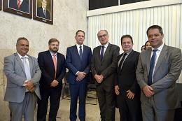 Reunião do Movimento Minas Mais Justiça em apoio à criação do Tribunal Regional Federal da 6ª Região em Minas Gerais