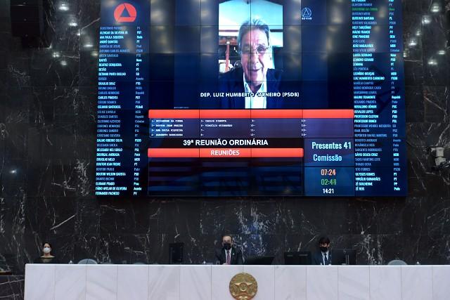 Análise de proposições na Reunião Ordinária de Plenário da manhã, realizada de forma remota em razão da pandemia de Covid-19, causada pelo coronavírus.
