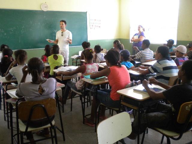 Desenvolvimento de atividade do projeto Cidadania Ribeirinha - Arquivo/ALMG